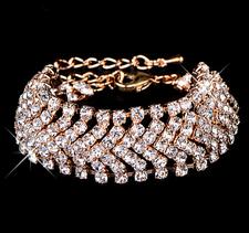 Armband med ett band av Austrian Crystals och i 18 K Guldplätering