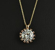 """Halsband """"Star"""" med stort hänge i Cubic Zirconia och guldplätering"""