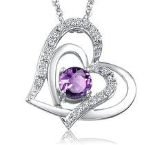 """Halsband """"Crystal hearts"""" med en större Lila Cubic Zirconia och flera små Austrian Crystals samt i 925 Sterling silverplätering"""
