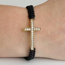 """Armband """"Cross"""" med guldfärgat kors och en rad med kristaller"""