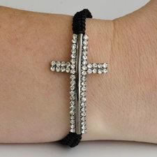 """Armband """"Cross"""" med silverfärgat kors och dubbla rader med kristaller"""