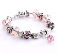 Armband med pärlor, kristaller och andra detaljer i 925 Sterling Silver -Rosa