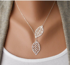 """Halsband """"Leaf"""" -Silverfärgad"""