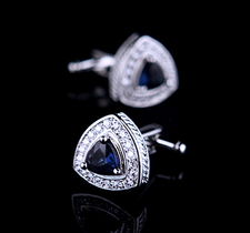 """Manschettknappar """"Crystal Blue""""  med en stor Blå och många små vita kristaller samt platinumplätering"""