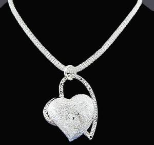 """Halsband """"Hjärta"""" i 925 Sterling Silverplätering"""