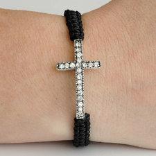 """Armband """"Cross"""" med silverfärgat kors och en rad med kristaller"""