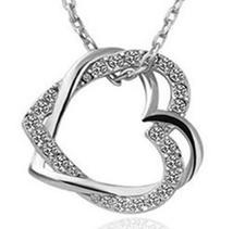 """Halsband """"Double hearts"""" med Austrian crystals och silverplätering -Vit"""