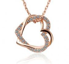 """Halsband """"Double hearts"""" med Austrian crystals och guldplätering -Vit"""