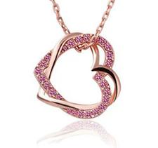 """Halsband """"Double hearts"""" med Austrian crystals och guldplätering -Rosa"""