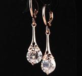 Örhängen med Austrian Crystal och i 18 K Guldplätering