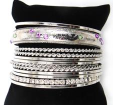 Rhodiumpläterat Armband i flera led med kristaller och pärlor