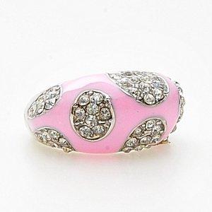 Rosa ring med öar av vackert gnistrande stenar