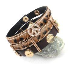 Läderarmband i två delar med kristall och metalldetaljer -Brun