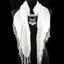 """Bomullsscarf i moderiktig modell med """"hänge"""" -Vit"""