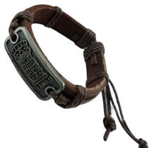 Läderarmband med rem- och metalldetaljer