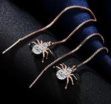 """Örhängen """"Spider"""" med Cubic Zirconia och i 18 K Guldplätering"""