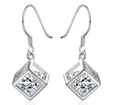 """Örhängen """"Crystal Square"""" med en integrerad kristall och i 925 Silverplätering"""