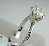 Ring med Cubic Zirconia  och platinumplätering