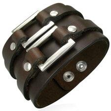 Läderarmband med metalldetaljer